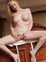 Busty milf rides sybian sex machine for extra pussy pleasure